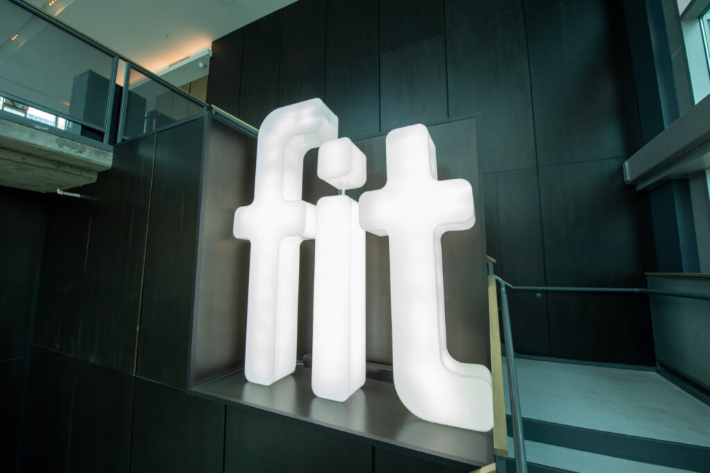 fit sign